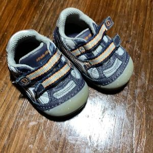 Stride rite sneakers size 3 infant